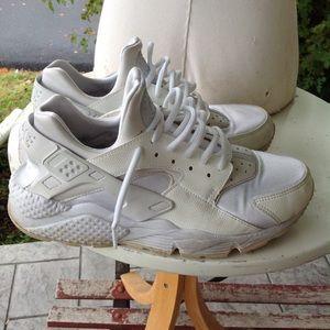 Womans Nike air sneakers.